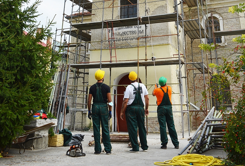 """IЗапочна ремонтът на църквата """"Рождество на Пресвета Богородица"""""""