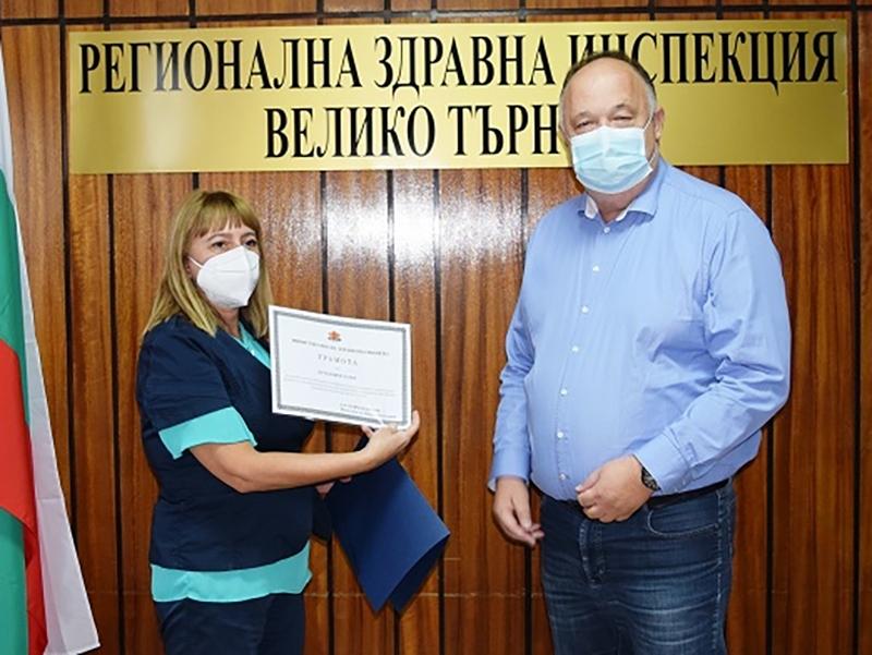 IД-р Пламен Латев е ваксинирал над 2400 души от началото на пандемията
